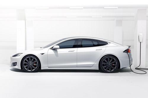 9. Tesla Model S 2020.