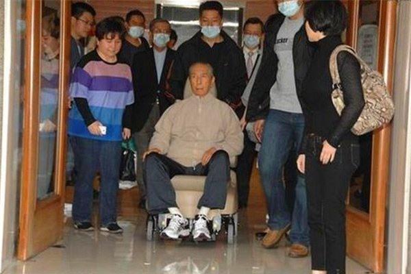 Khoi nghiep voi 1,3 USD, vua co bac Macau xay dung gia san khong lo hinh anh 11 04_184003_516.jpg