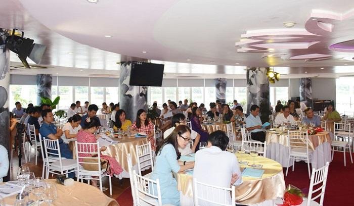 Đông đảo các doanh nghiệp nhỏ và vừa đang hoạt động trên địa bàn tỉnh tham gia hội thảo.