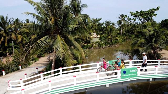Cầu Út Ốm tại ấp Phước Thới B, xã Bình Phước, huyện Mang Thít, tỉnh Vĩnh Long