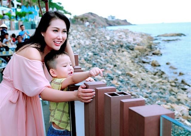 NSND Công Lý, Dương Cẩm Lynh cùng loạt sao bên con, chúc mừng ngày 1/6 - 6