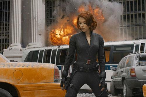 """Scarlett Johansson: """"Góa phụ đen"""" đang là đả nữ thành công và đắt giá hàng đầu Hollywood. Sở hữu gương mặt sắc sảo, thân hình nóng bỏng, ngôi sao 36 tuổi luôn nằm trong top mỹ nhân gợi cảm nhất màn ảnh. Dù đóng các vai đậm chất nghệ thuật hay hóa thân thành siêu anh hùng mạnh mẽ của Vũ trụ Marvel, minh tinh luôn khiến khán giả chú ý vì vẻ đẹp tràn đầy sức sống."""