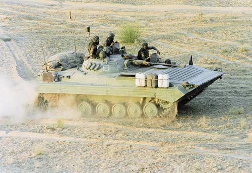 Ấn Độ đặt hàng số lượng lớn xe chiến đấu bộ binh BMP-2