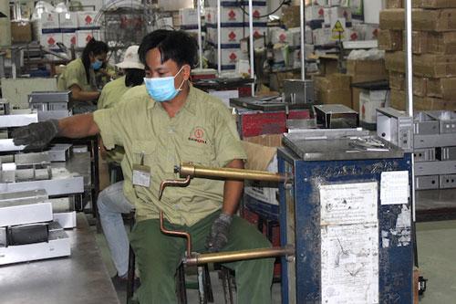 Giải bài toán phục hồi sản xuất công nghiệp