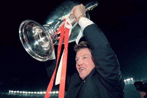5. Louis van Gaal (Ajax, Barca, Bayern Munich, MU - Tỷ lệ chiến thắng: 60%, vô địch 1 lần).