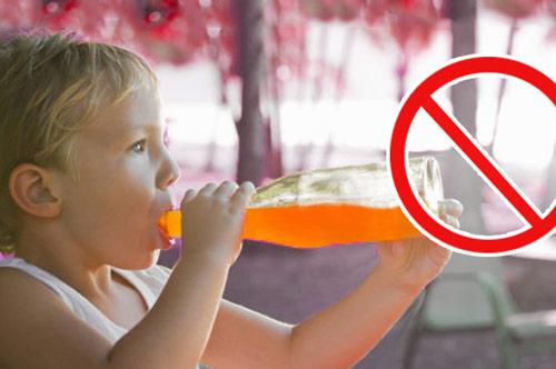 """""""Chỉ mặt"""" 5 loại nước dễ khiến trẻ """"lùn tịt"""", ăn mãi không lớn, đừng dại cho con uống vào"""