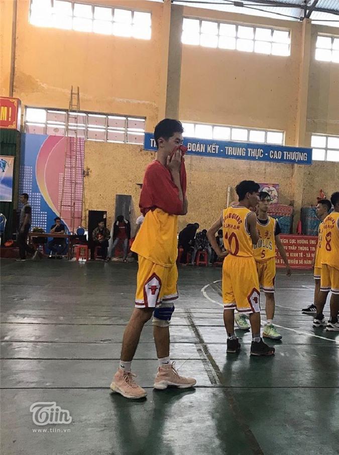 Yến Nhi rung động với Trường Thành sau lần đi cổ vũ bóng rổ