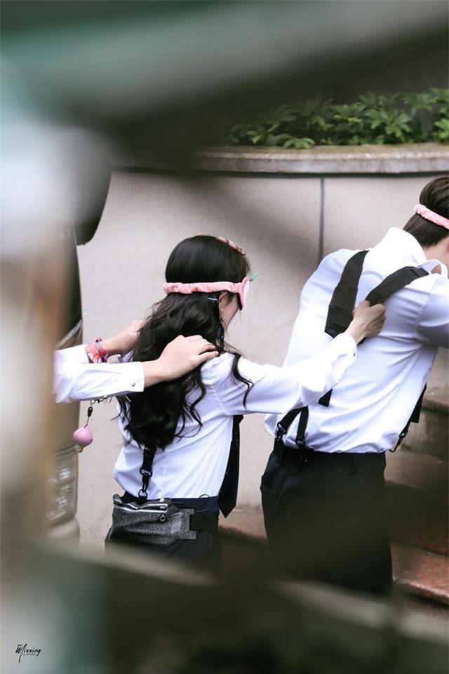Dương Mịch xinh đẹp đi quay show giữa chỉ trích thờ ơ với con gái, Đặng Luân xuất hiện cực điển trai - Ảnh 7.