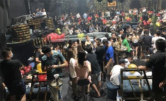 Hàng chục dân chơi trong quán bar dương tính ma túy - 1