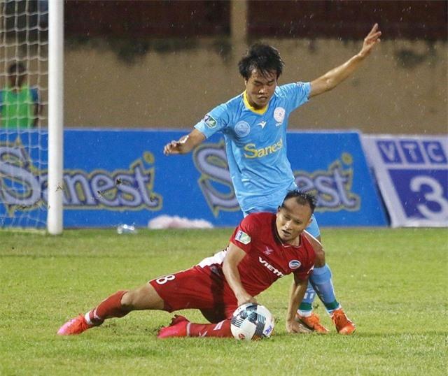 Trọng Hoàng chấn thương nặng, HLV Park Hang Seo thêm âu lo - 1