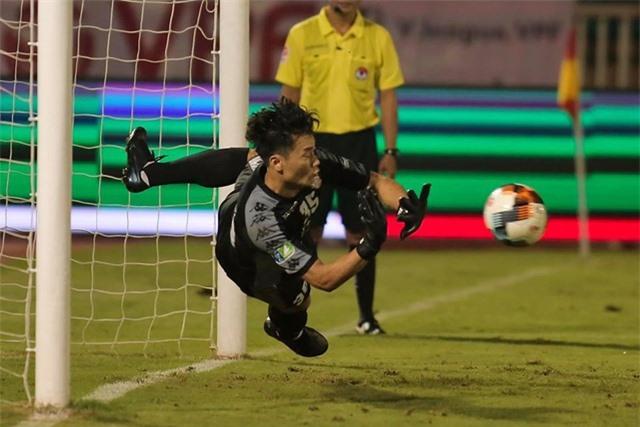 Tương lai bất an của Văn Lâm khi trở về đội tuyển Việt Nam - 3