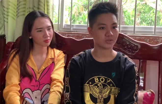 Cuộc sống vợ chồng 'người đàn ông đầu tiên ở Việt Nam mang bầu' sau khi sinh con ra sao? 1