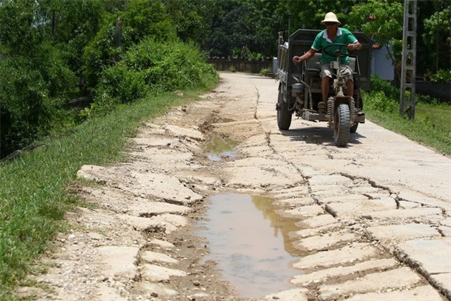 Hà Nội công bố tình trạng khẩn cấp sạt lở trên sông Bùi, sông Đáy - Ảnh 4.