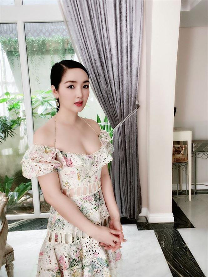 Hoa hậu Giáng My khoe vòng 1 gợi cảm với bikini  - ảnh 5