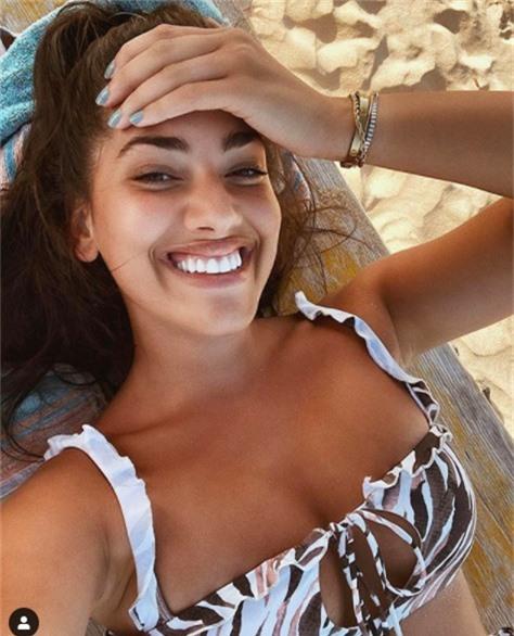 Lorena Duran sinh năm 1993 ở Tây Ban Nha. Cô sở hữu gương mặt đẹp với nụ cười toả nắng...