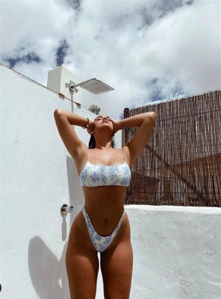 Vẻ đàn bà quyến rũ của mẫu ngoại cỡ Lorena Duran khiến cánh mày râu 'chao đảo' - ảnh 4