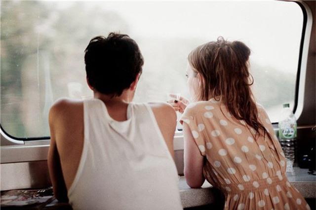 Cuộc sống hôn nhân không thể tránh khỏi những mâu thuẫn, nhưng muốn để hạnh phúc dài lâu, hai vợ chồng cần phải học cách tha thứ và bỏ qua những điều nhỏ nhặt. (Ảnh minh họa)