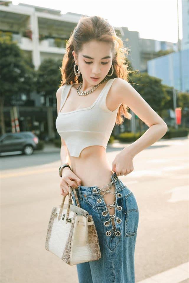 ngoc-trinh-04-ngoisaovn-w640-h959 1
