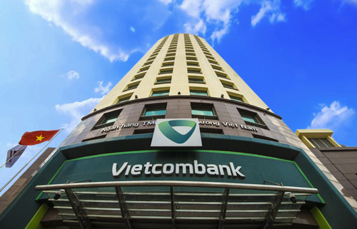 """Vietcombank lần thứ 2 liên tiếp đạt quán quân về lợi nhuận trong """"Danh sách 50 công ty niêm yết tốt nhất"""""""