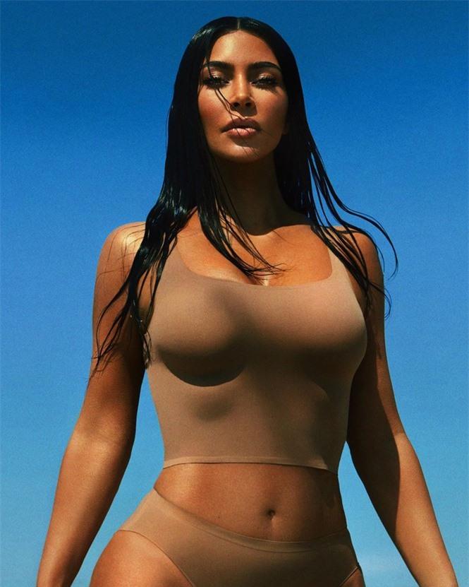 Kim Kardashian tung ảnh bikini ở biển khiến fan trầm trồ - ảnh 6
