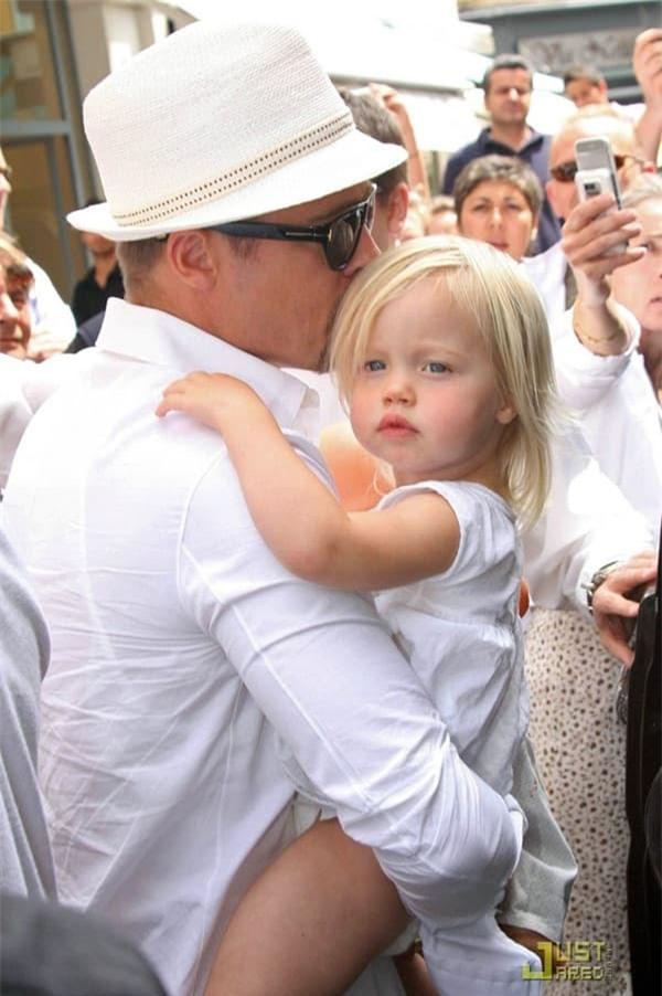 Khoảnh khắc đẹp của Brad Pitt cùng cô con gái ruột đầu lòng hot trở lại 2