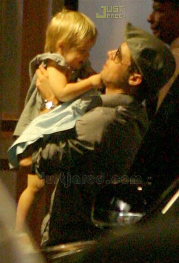 Khoảnh khắc đẹp của Brad Pitt cùng cô con gái ruột đầu lòng hot trở lại 3