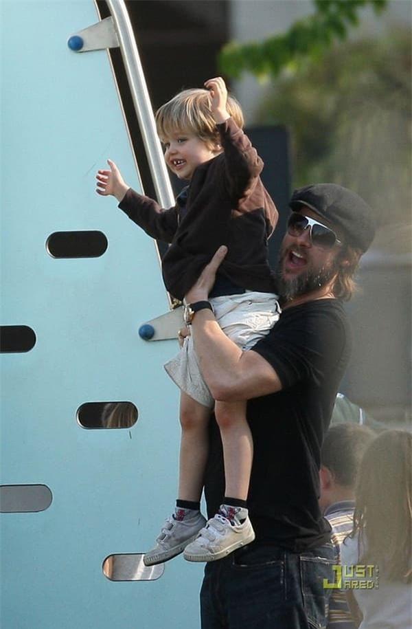 Khoảnh khắc đẹp của Brad Pitt cùng cô con gái ruột đầu lòng hot trở lại 4