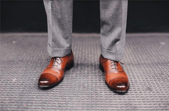 Nam giới đi giày tây cùng suit thế nào mới đúng chuẩn? ảnh 06
