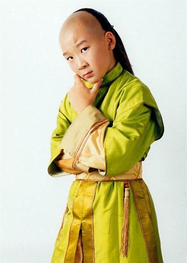 """""""Tiểu quỷ số 1 Trung Quốc"""" sau 27 năm gia nhập showbiz phát tướng, già như ông chú trung niên - Ảnh 6."""