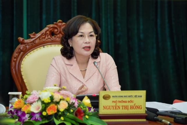 Phó Thống đốc Ngân hàng Nhà nước Nguyễn Thị Hông chủ trì buổi họp báo.