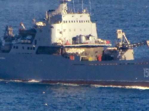 Tàu vận tải - đổ bộ Saratov của Nga chở xe tăng tới cho Quân đội Syria. Ảnh: Al Masdar News.