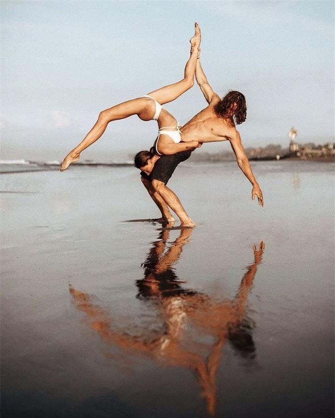 Mỹ nhân Nga thành 'hiện tượng mạng' nhờ đôi chân dài 1m20, body hoàn hảo - ảnh 11
