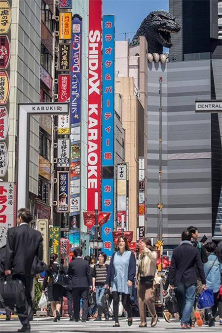 Rùng mình với khách sạn quái vật ở Nhật Bản - ảnh 2