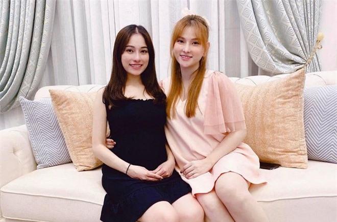 Thu Thủy và Sara Lưu 0