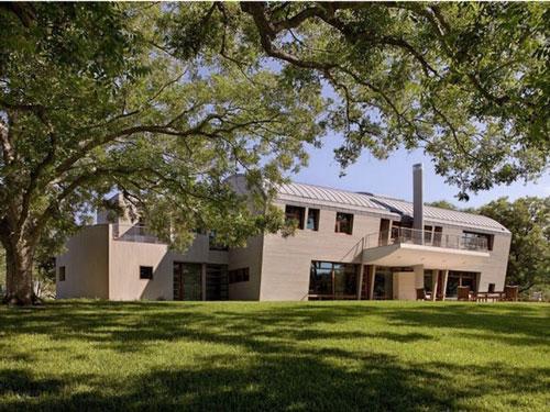 Tỷ phú Dell sở hữu một biệt thự trang trại cách tổ hợp của mình gần 20 km. Ngôi nhà này được đặt tên là 6D Ranch với diện tích khoảng 593 m2. Đây là nơi mà vị tỷ phú đến nghỉ ngơi, thăm, và chăm sóc những chú ngựa Ả Rập của mình. Ảnh: White Construction.