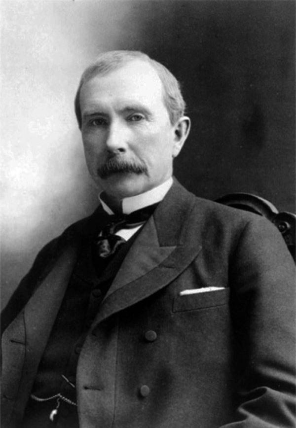 John D. Rockefeller là ông trùm dầu mỏ với số tài sản tương đương 2% sản lượng kinh tế Mỹ thời đó.