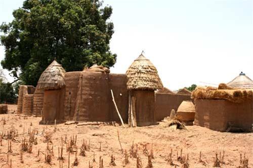 Nhà nấm độc đáo của người Tây Phi - 9