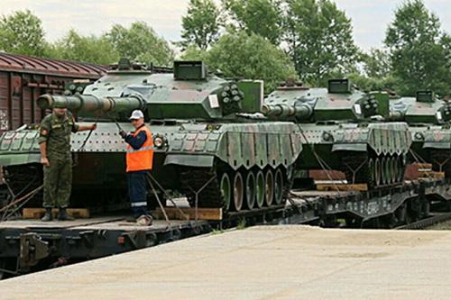 Ukraine cho rằng Nga đang gây sức ép quân sự lên Belarus. Ảnh: TASS.