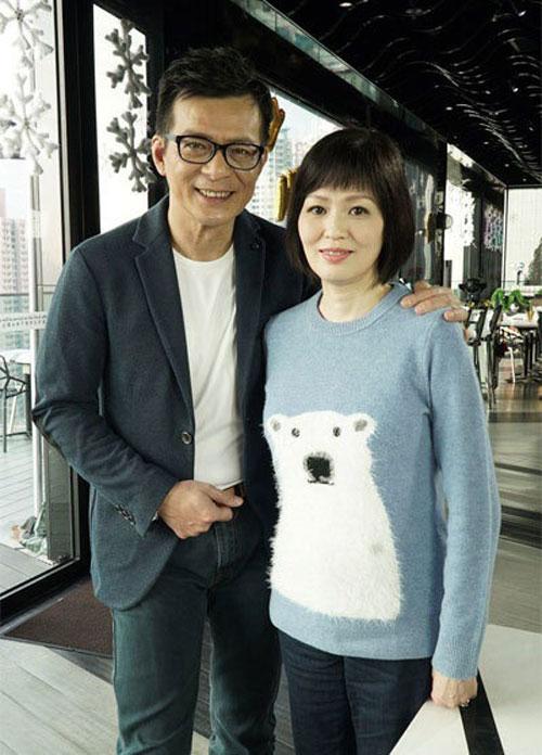 Huỳnh Nhật Hoa chấp nhận tán gia bại sản để chữa bệnh ung thư cho vợ.