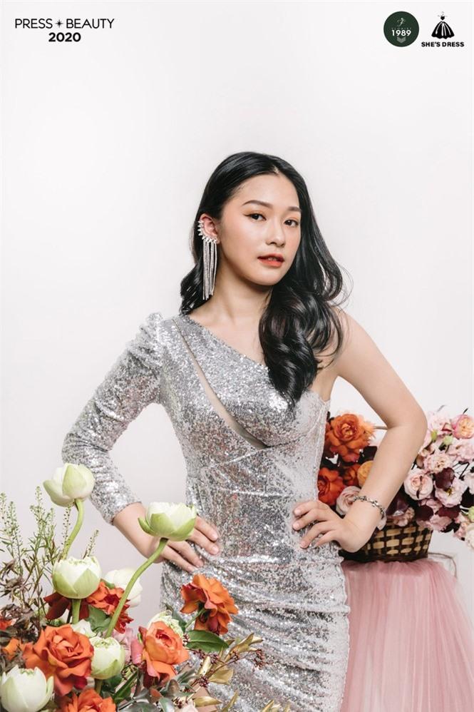Nét đẹp quyến rũ của Top 10 Hoa khôi trường báo  - ảnh 10