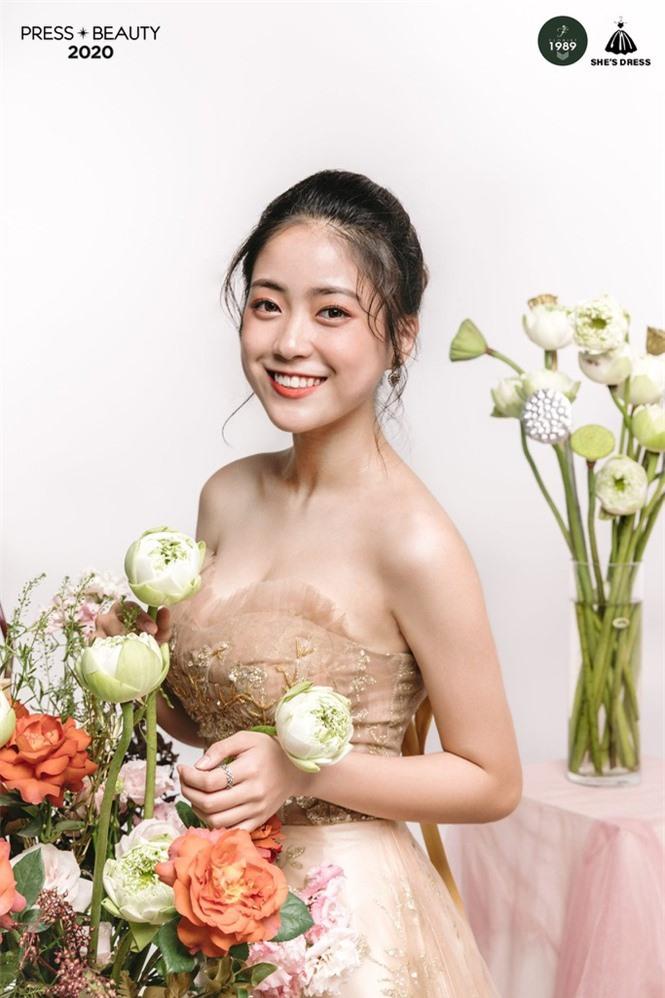 Nét đẹp quyến rũ của Top 10 Hoa khôi trường báo  - ảnh 6