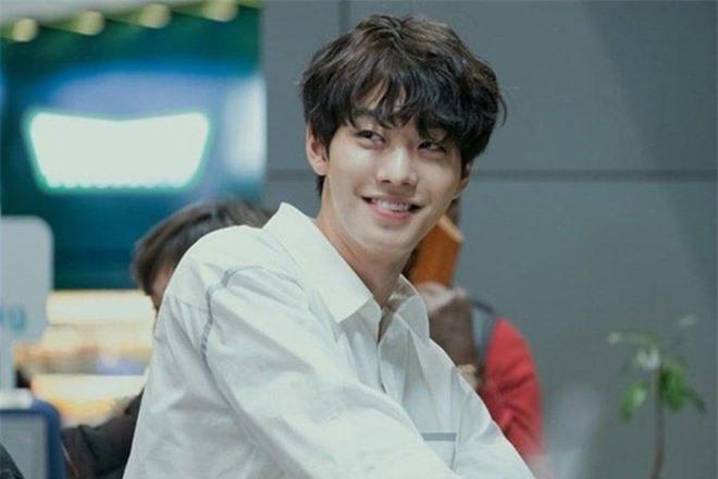Park Bo Gum và loạt mỹ nam đi hát thất bại, vụt sáng khi là diễn viên - Ảnh 4