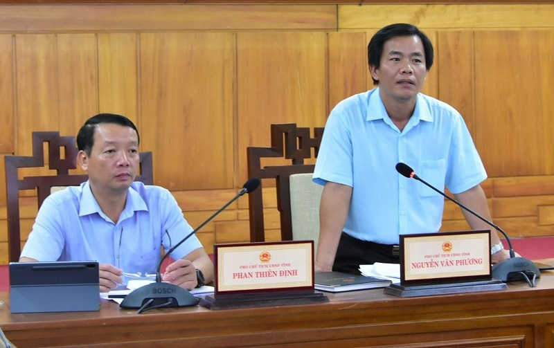 Phó Chủ tịch UBND tỉnh Thừa Thiên Huế Nguyễn Văn Phương phát biểu kết luận cuộc họp.