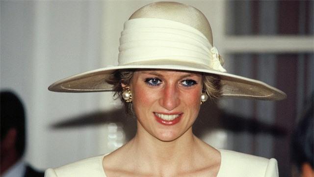 Kristen Stewart vào vai Công nương Diana, tái hiện cuộc hôn nhân đổ vỡ - Ảnh 2.