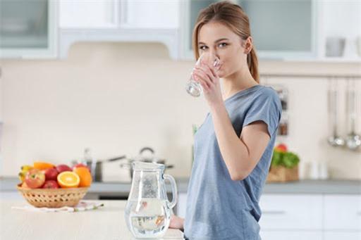 4 thói quen ăn uống xấu khiến mọi nỗ lực giảm cân của bạn đều không hiệu quả - Ảnh 3.