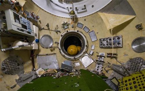 Bên trong nhà máy chế tạo tàu không gian bị Nga bỏ hoang - 10