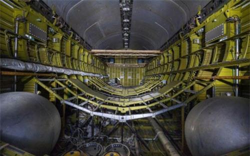 Bên trong nhà máy chế tạo tàu không gian bị Nga bỏ hoang - 9