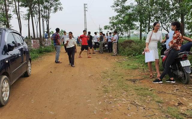 """""""Cò đất"""" lợi dụng thông tin quy hoạch để thổi giá, đẩy giá đất tại Đồng Trúc, Quốc Oai, Hà Nội hồi tháng 3/2020 (Ảnh: TL)"""