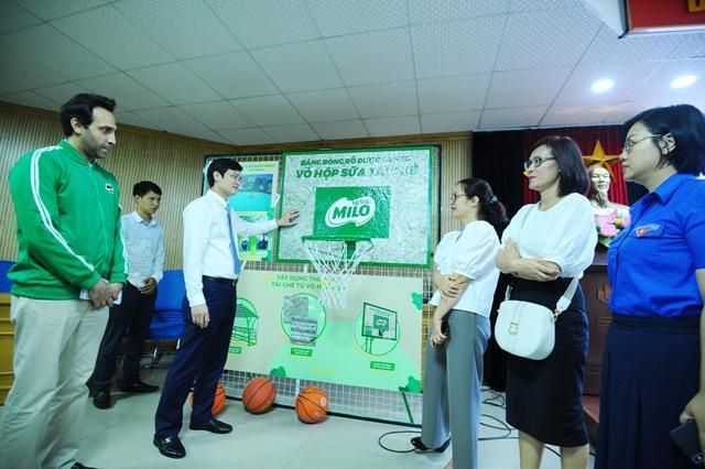 """Từ tháng 5/2020 đến tháng 12/2021, Đoàn thanh niên cộng sản Hồ Chí Minh triển khai Chương trình """"Sân chơi Năng động Việt Nam"""" với việc xây dựng khoảng 30 sân chơi từ vật liệu tái chế…"""