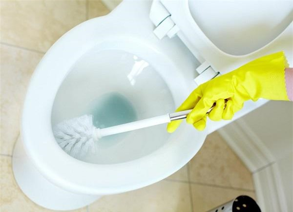 Mẹo làm sạch mọi thiết bị nhà tắm chỉ trong nháy mắt, ai cũng làm được - 4